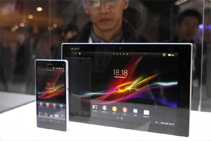 Sony Xperia Z Phone and</p></font>